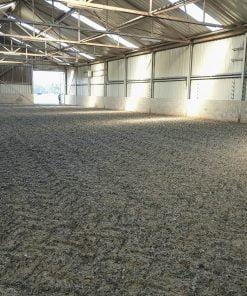 Polyvlokken vermengd met zand